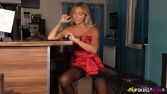 natalia-lady-in-red-102