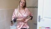 amber-jayne-seducing-your-step-mum-123