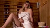anna-belle-wank-in-the-sauna-126